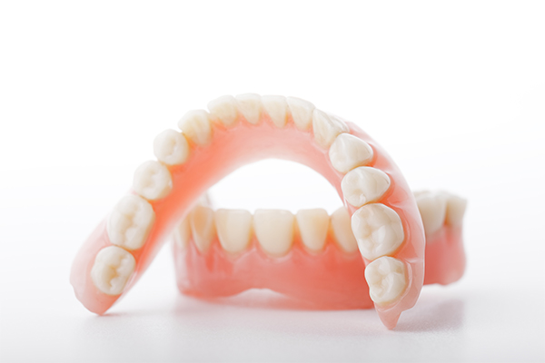 Can A Broken Tooth On A Denture Be Repaired?